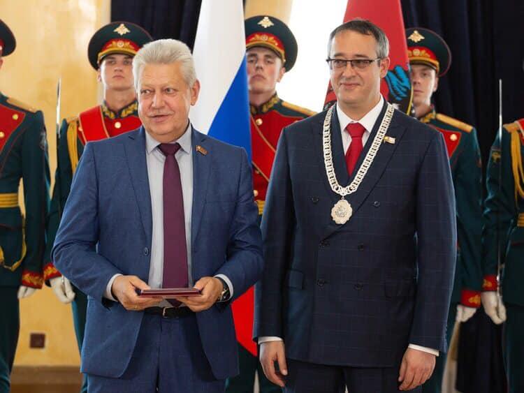 В МГД состоялась торжественная церемония награждения депутатов VI созыва памятным знаком 25-летия Московской городской Думы